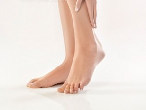 Triệt lông chân vĩnh viễn có gây hại cho làn da không?