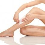 Waxing lông chân tại nhà và những lưu ý bạn cần biết