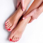 Cách tẩy lông chân bằng kem đánh răng tại nhà chuẩn xác hiệu quả cao