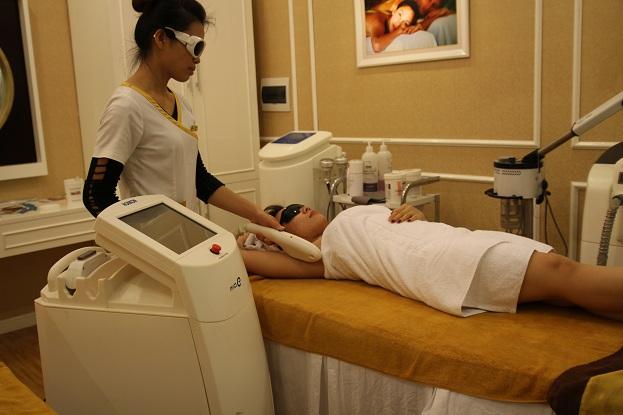Viêm lỗ chân lông ở nách, có cách nào điều trị triệt để không?2