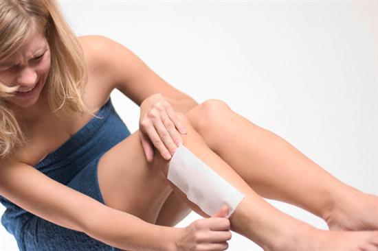 Sáp wax lông nóng: Lông chưa hết, da đã bỏng1