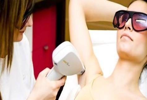 New E-light – Giải pháp thông minh giúp chị em triệt lông nách hiệu quả 4