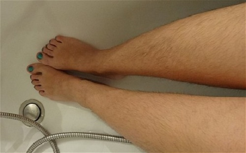 Cách tẩy lông chân không mọc lại hiệu quả nhất là gì