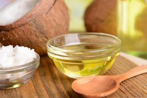 trị viêm nang lông vùng kín bằng dầu dừa