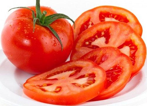 có ai tẩy lông bằng cà chua chưa